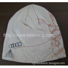 100% Acrylic 6 Darts Knitted Beanie With Embroidery And Printing